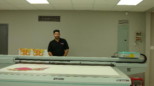 Jay Nazir with new Fuji Acruity Advance UV Flatbed